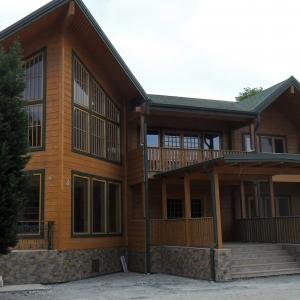 Luxury_Log_Cabin_Guest_House_10.JPG