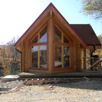 Luxury_Log_Cabin_Lake_House_11.jpg